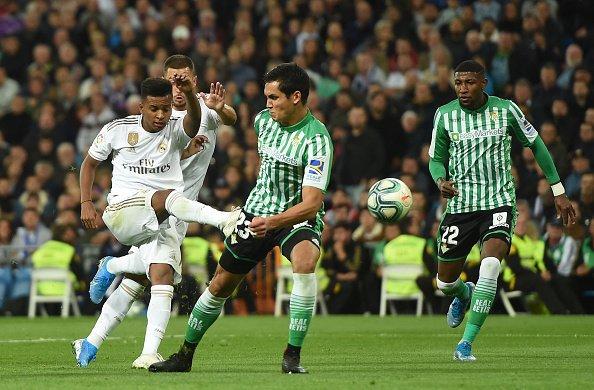 مباراة ريال مدريد وبيتيس (1)