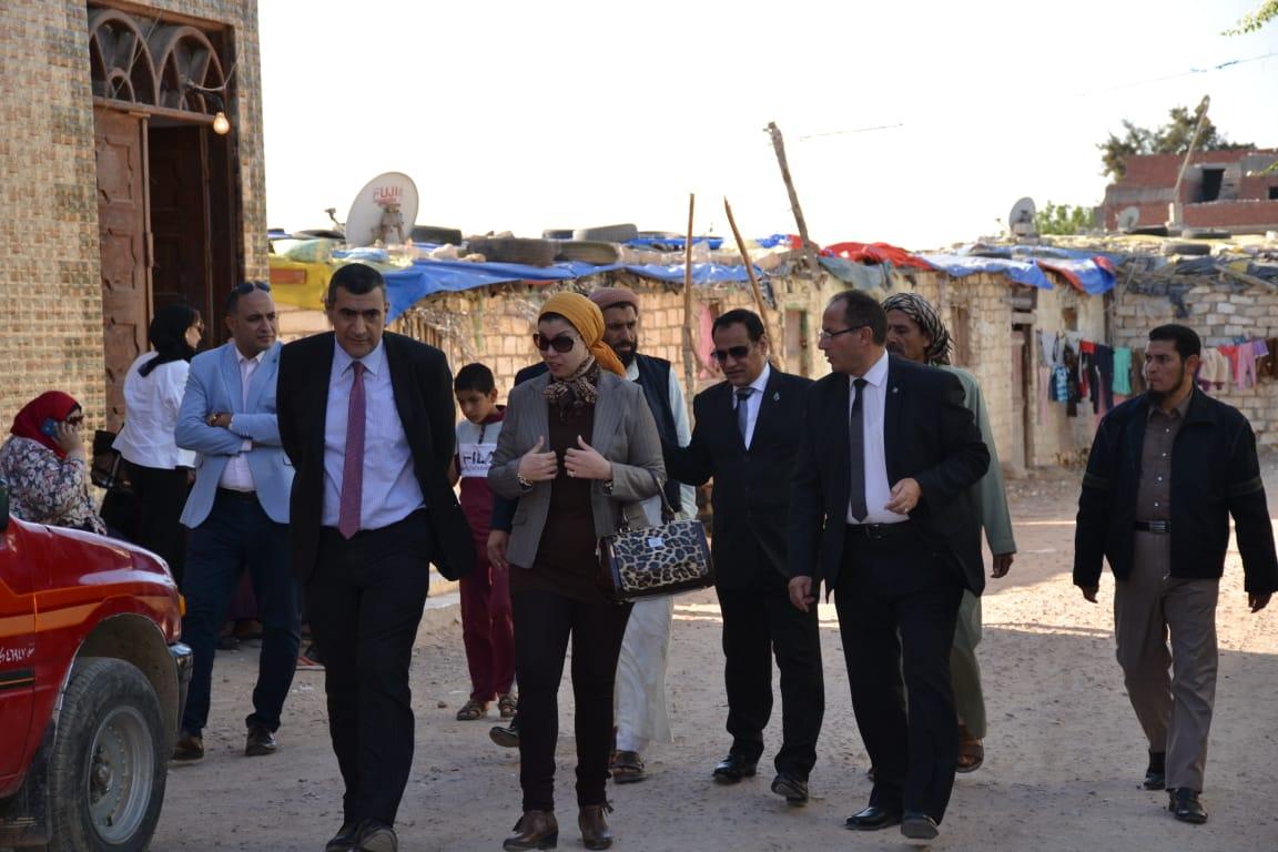رئيس جامعة الإسكندرية يستقبل لجنة وزارة التعليم العالي لتقييم دور الجامعة فى تطوير العشوائيات (3)
