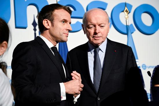 ماكرون-مع-أمين-المظالم-الفرنسى