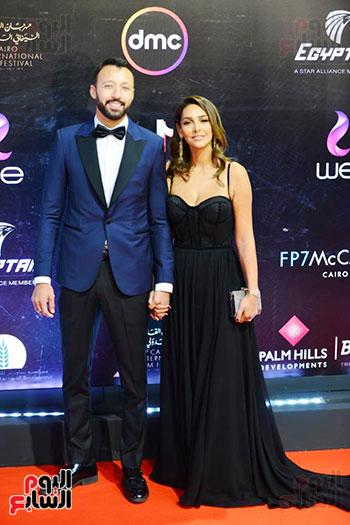 أحمد فهمي وزوجته (1)