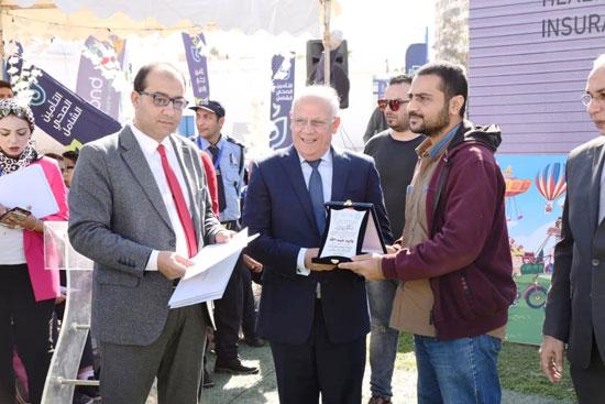 محافظ بورسعيد يشهد احتفال يوم الطفل العالمى (12)