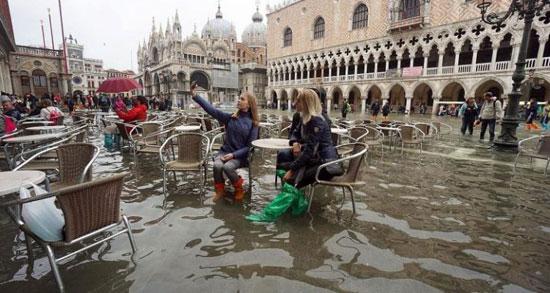 فيضانات-البندقية-(1)