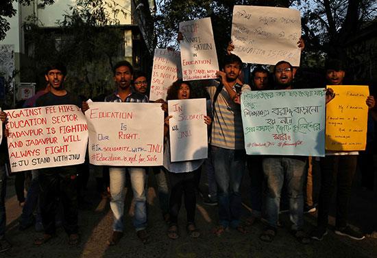 جانب من احتجاج الطلاب