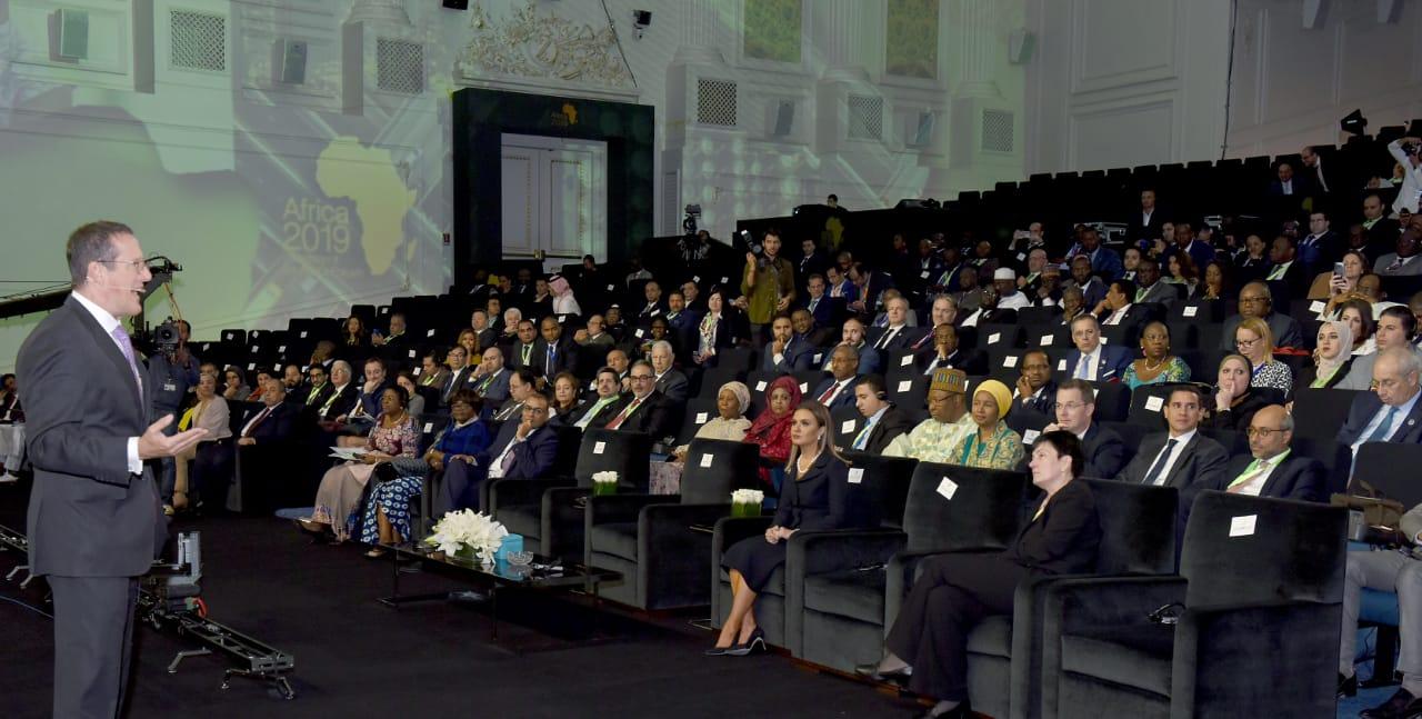 جلسة تفعيل الشراكات الدولية والإقليمية لتطوير البنية الأساسية فى افريقيا