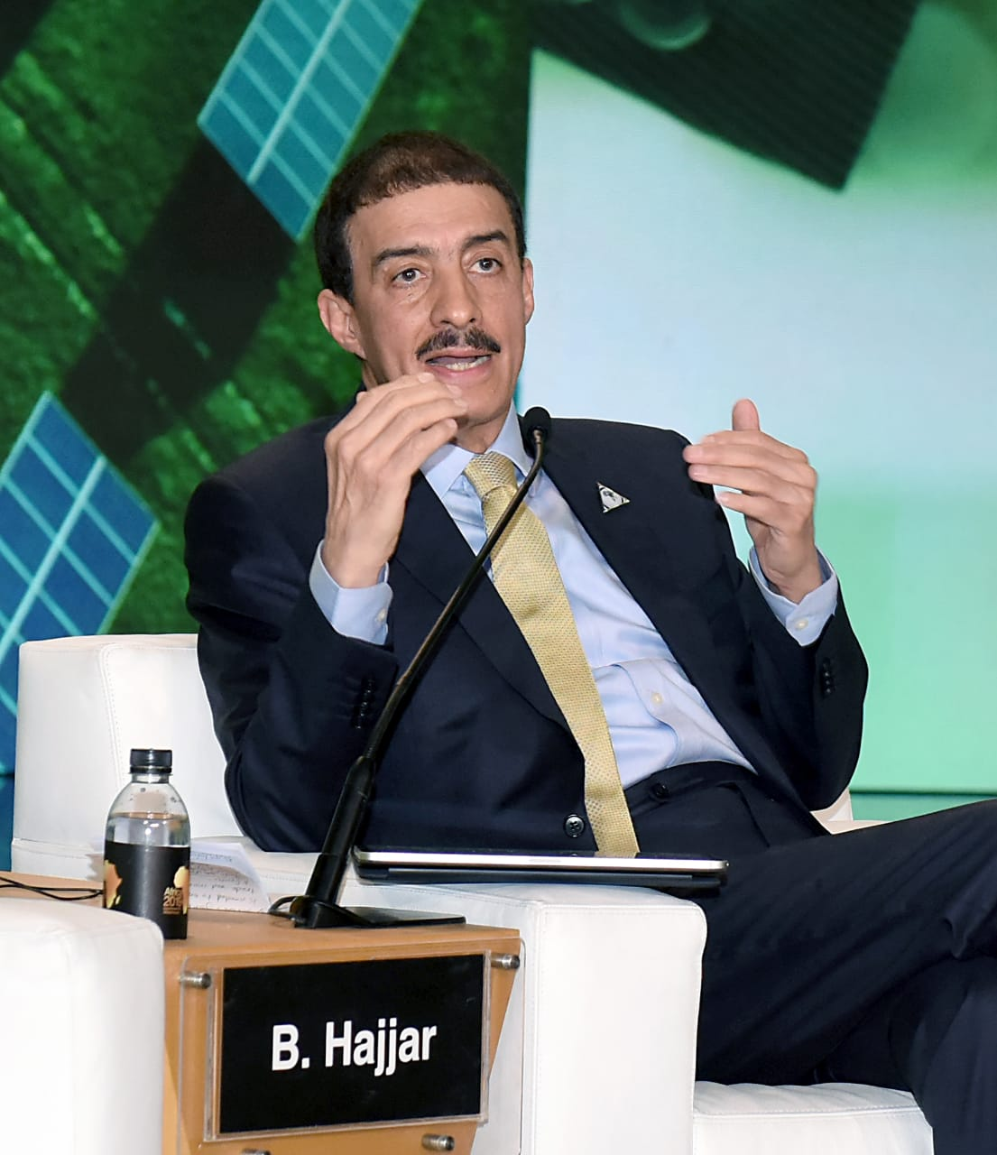 الدكتور بندر الحجار رئيس مجموعة البنك الإسلامى للتنمية
