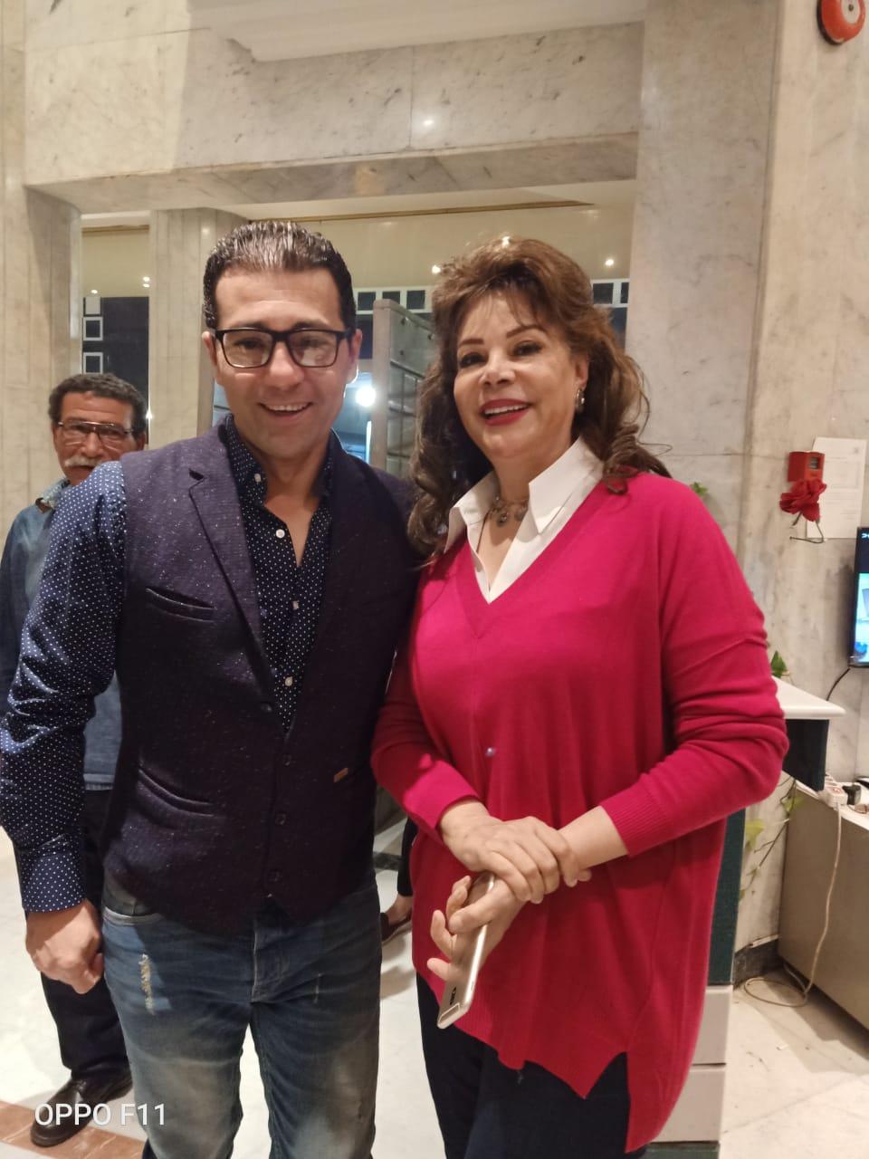 الفنانة صفاء ابو السعود مع الزميل جمال عبد الناصر