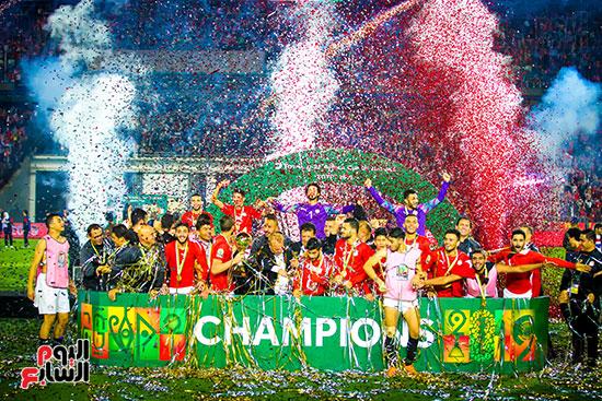 لحظة رفع المنتخب الأولمبى كأس بطولة أمم أفريقيا 2019  (32)