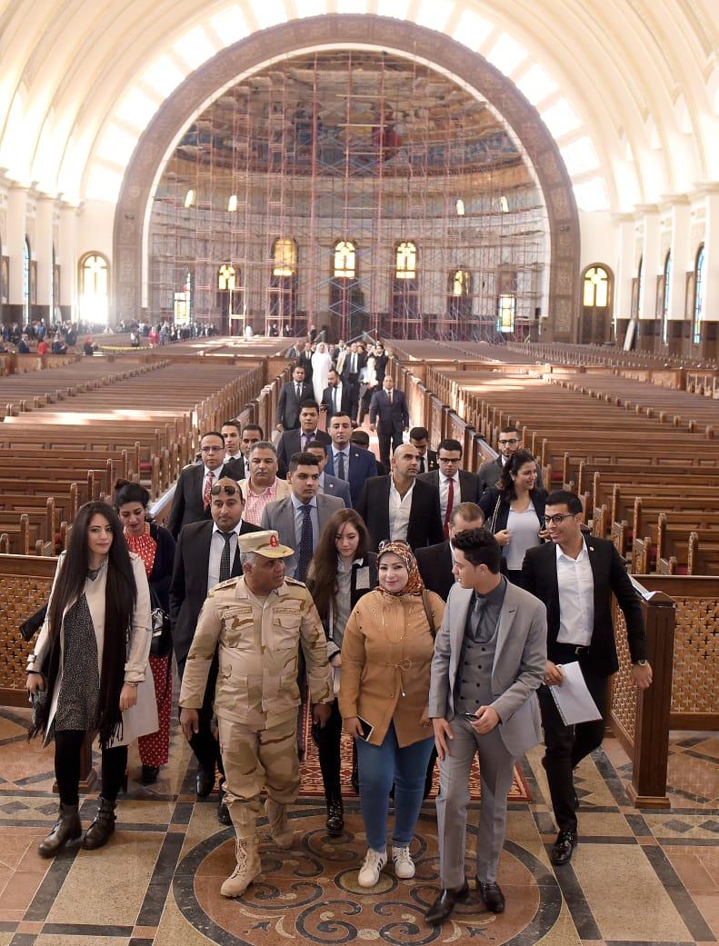 وفد منتدى أفريقيا داخل كاتدرائية العاصمة الإدارية