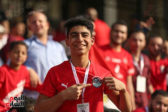 بدء توافد الجماهير على استاد القاهرة (14)
