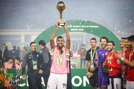 لحظة رفع المنتخب الأولمبى كأس بطولة أمم أفريقيا 2019  (33)