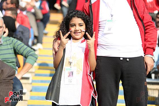 بدء توافد الجماهير على استاد القاهرة (12)
