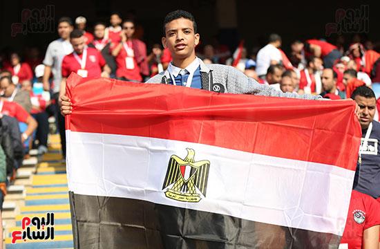 بدء توافد الجماهير على استاد القاهرة (6)