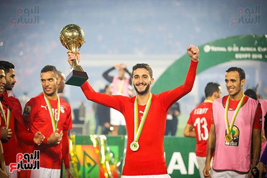 لحظة رفع المنتخب الأولمبى كأس بطولة أمم أفريقيا 2019  (36)