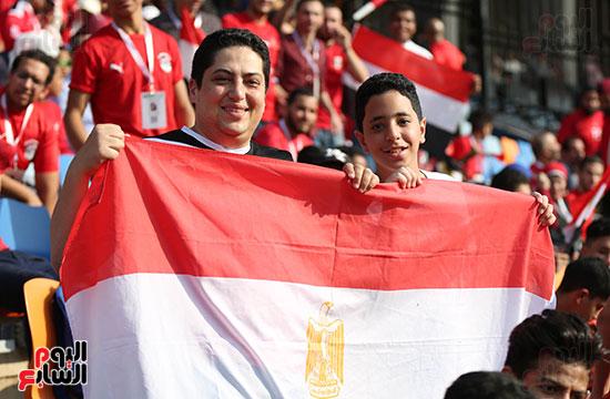بدء توافد الجماهير على استاد القاهرة (13)