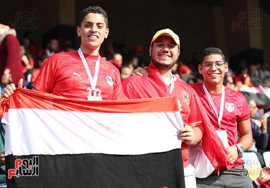 بدء توافد الجماهير على استاد القاهرة (10)