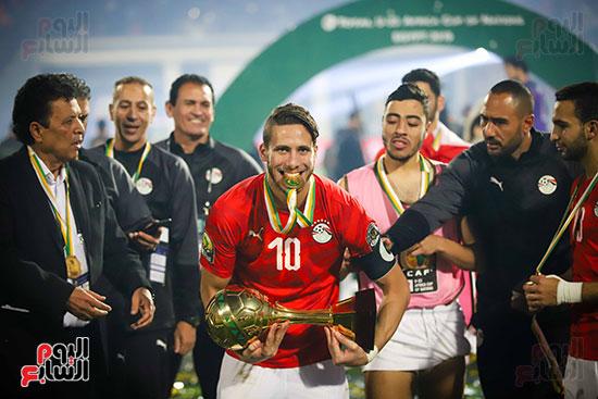 لحظة رفع المنتخب الأولمبى كأس بطولة أمم أفريقيا 2019  (45)