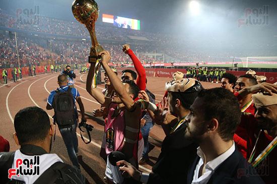 لحظة رفع المنتخب الأولمبى كأس بطولة أمم أفريقيا 2019 (25)