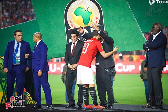 لحظة رفع المنتخب الأولمبى كأس بطولة أمم أفريقيا 2019  (16)