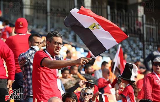 بدء توافد الجماهير على استاد القاهرة (1)