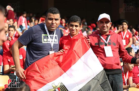 بدء توافد الجماهير على استاد القاهرة (11)