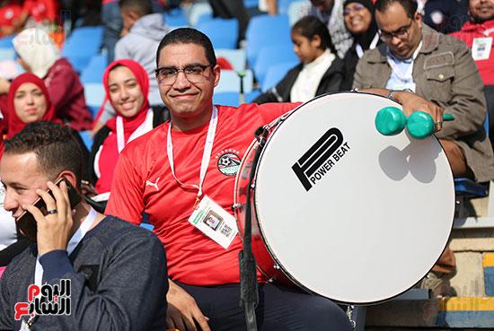 بدء توافد الجماهير على استاد القاهرة (15)