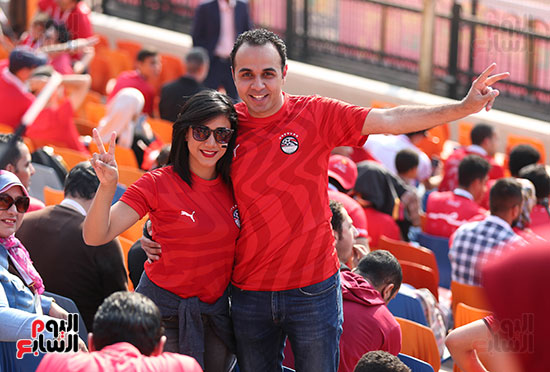 بدء توافد الجماهير على استاد القاهرة (22)