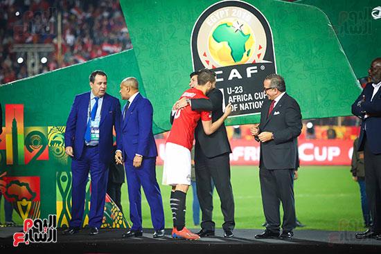 لحظة رفع المنتخب الأولمبى كأس بطولة أمم أفريقيا 2019  (15)