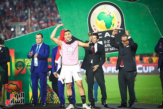 لحظة رفع المنتخب الأولمبى كأس بطولة أمم أفريقيا 2019  (12)