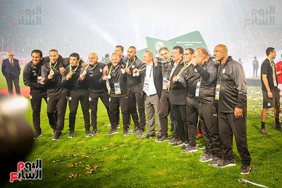 لحظة رفع المنتخب الأولمبى كأس بطولة أمم أفريقيا 2019  (2)