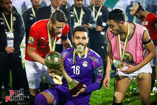 لحظة رفع المنتخب الأولمبى كأس بطولة أمم أفريقيا 2019  (47)