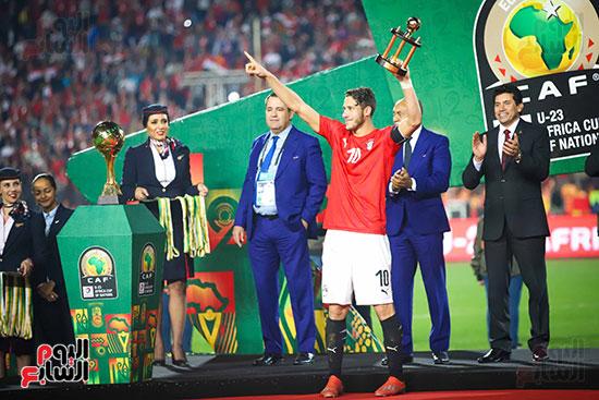 لحظة رفع المنتخب الأولمبى كأس بطولة أمم أفريقيا 2019  (20)