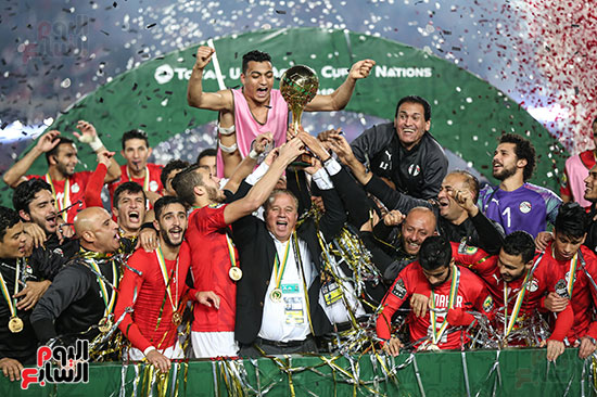 لحظة رفع المنتخب الأولمبى كأس بطولة أمم أفريقيا 2019 (9)