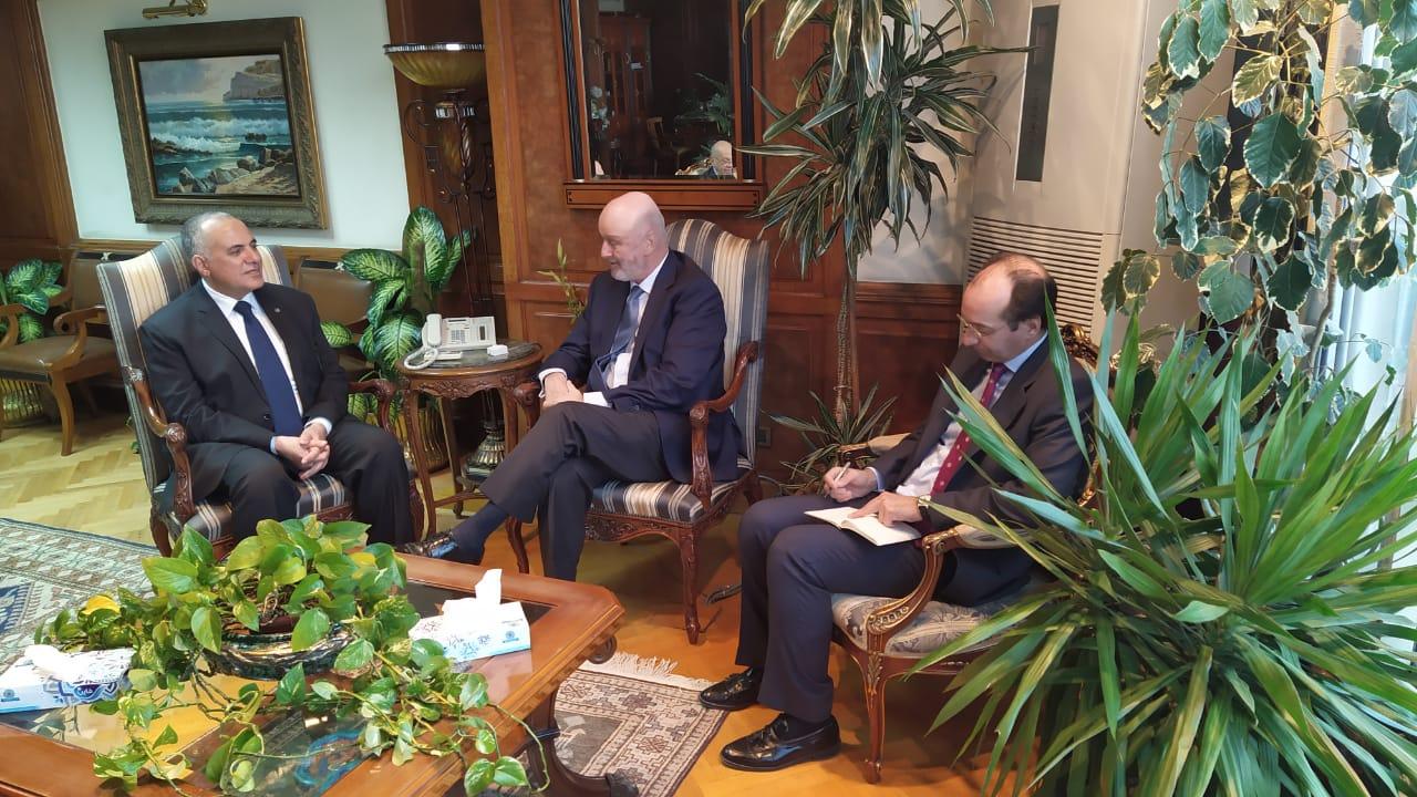 لقاء وزير الرى و السفير الأسباني بمصر  (3)