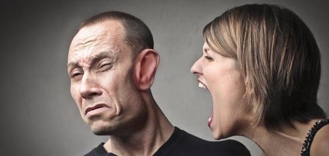 التعبير عن الغضب عند أنثى القوس