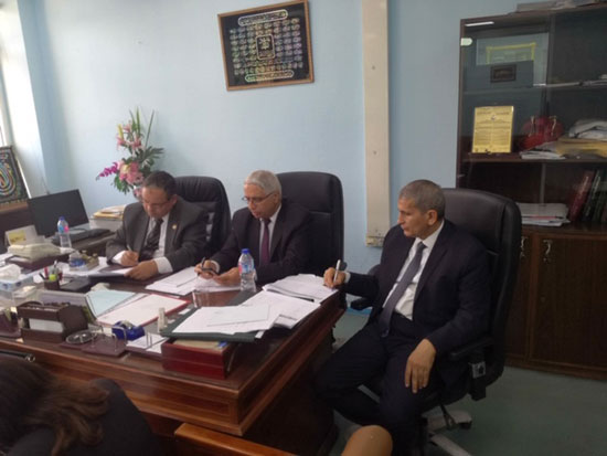 السيد كمال نجم رئيس مصلحة الجمارك (2)