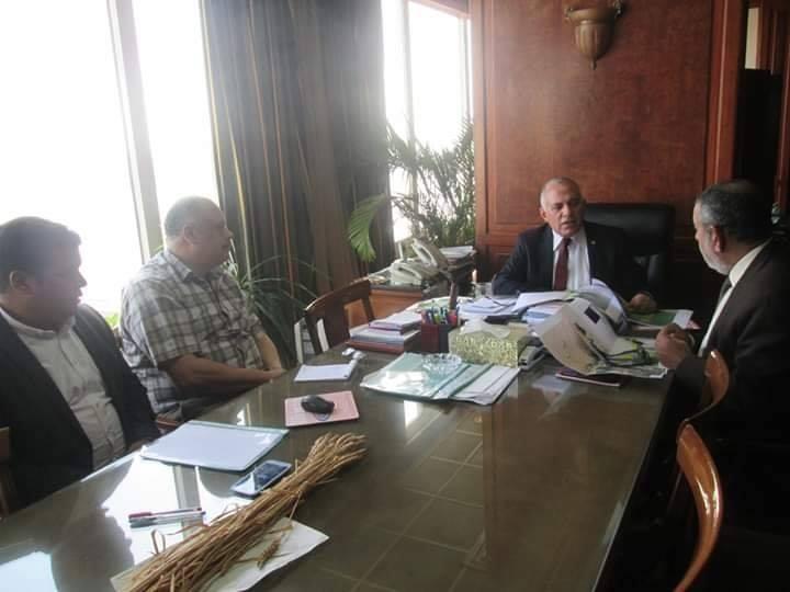 وزير الرى يعقد اجتماع لاستعراض المناطق المقترح تغذيتها من مشروع سحارة مصرف المحسمة (1)