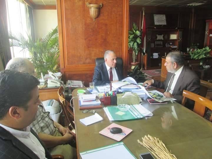 وزير الرى يعقد اجتماع لاستعراض المناطق المقترح تغذيتها من مشروع سحارة مصرف المحسمة (2)