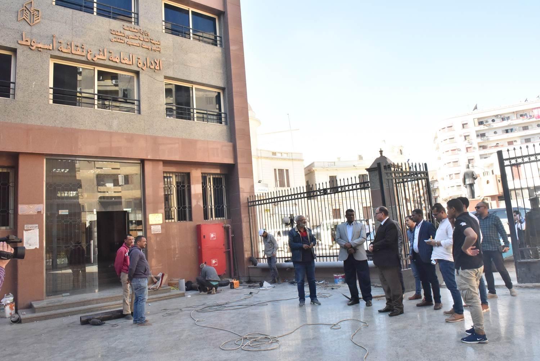 جولة محافظ أسيوط الجديد لمستشفى الحميات وقصر الثقافة (3)