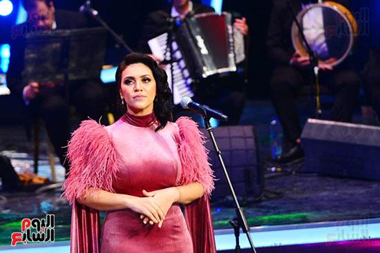 مى فاروق تطرب جمهور مهرجان الموسيقى العربية بأغاني الزمن الجميل اليوم السابع