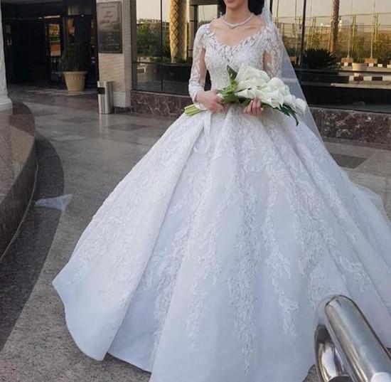 عروس يوم زفافها