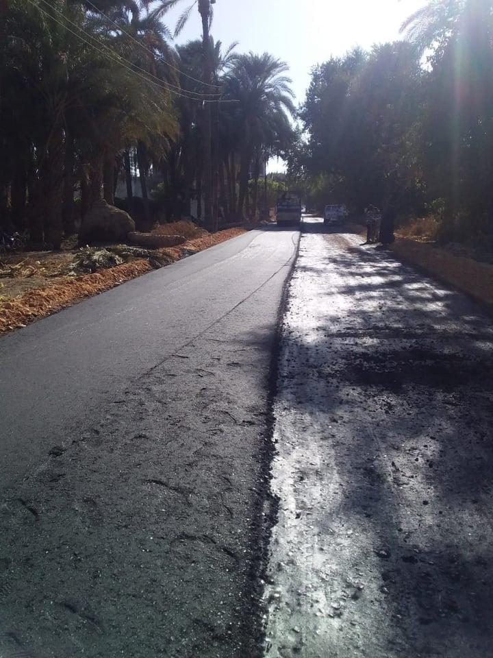 رصف طريق بديروط (1)