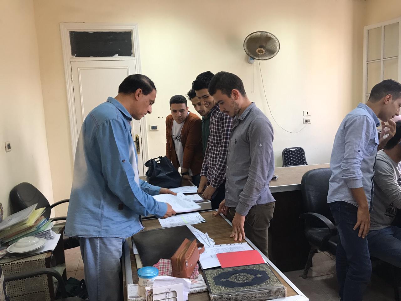 تقديم أوراق الطلاب لانتخابات الطلاب بجامعة بنها (8)