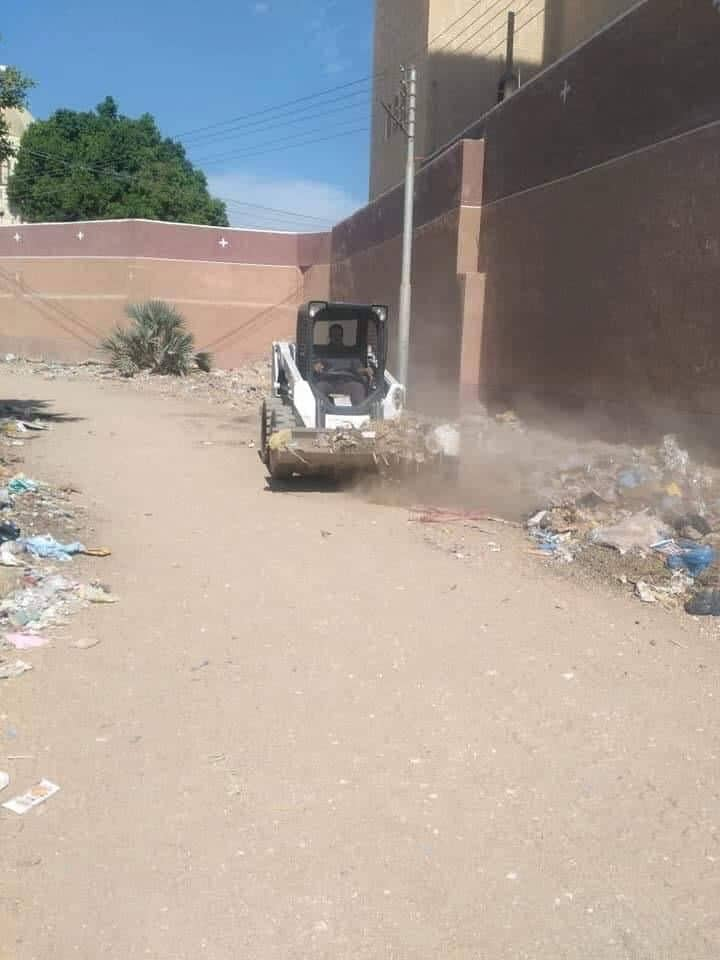 رفع الاتربة والمخلفات والقمامة بمدن سوهاج (4)