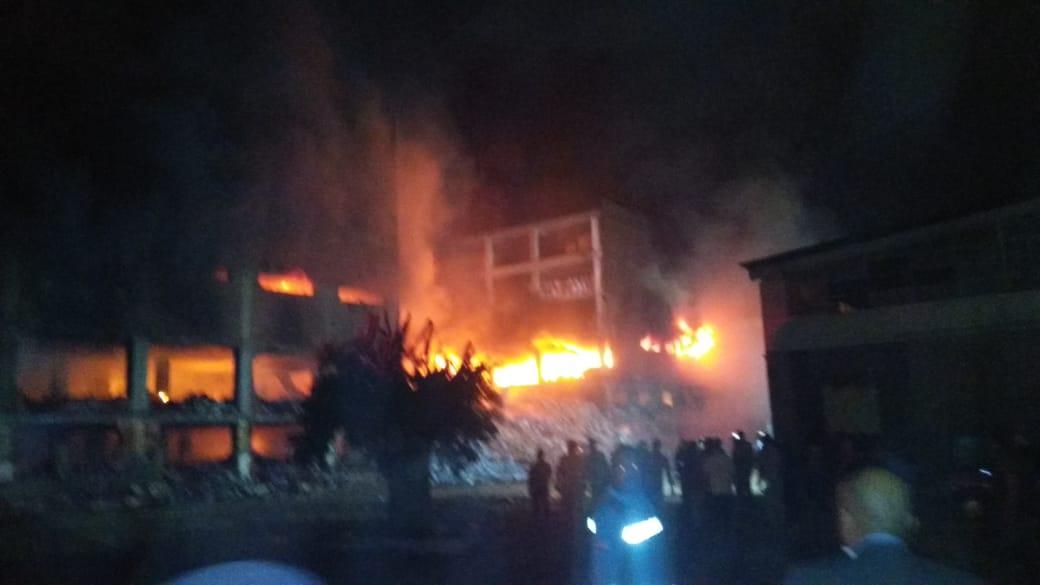 انهيار نصف مبني مصنع بقليوب (6)