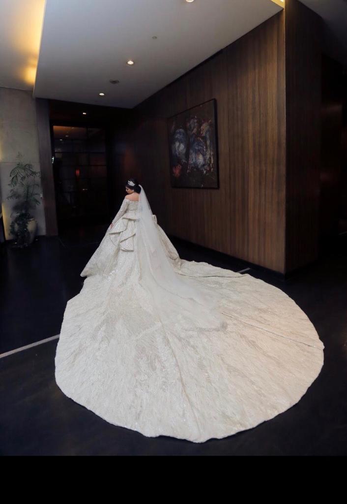عروسة يوم زفافها