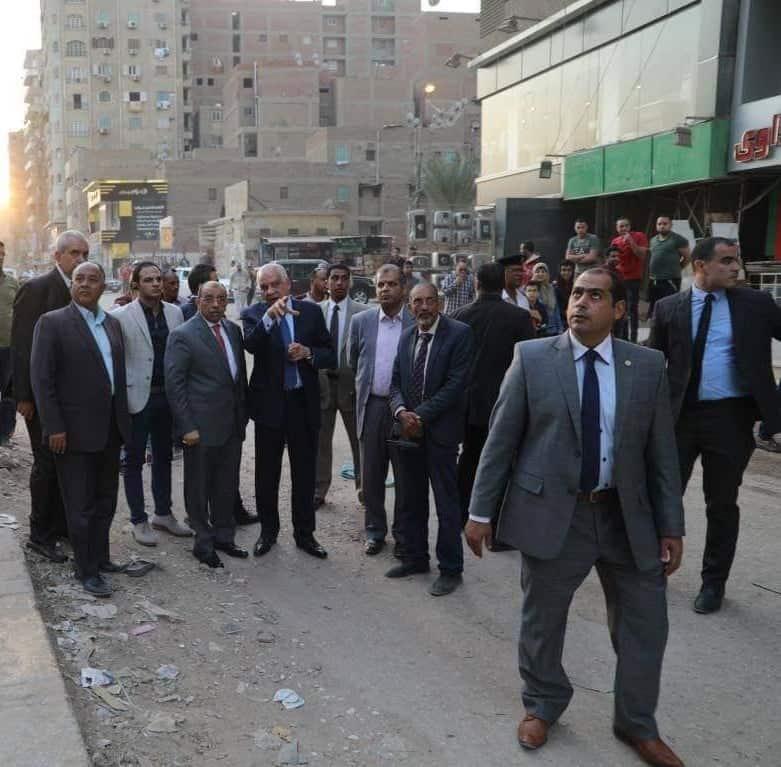 وزير التنمية المحلية ومحافظ الجيزة يتفقدان المحاور المرورية بالجيزة (2)