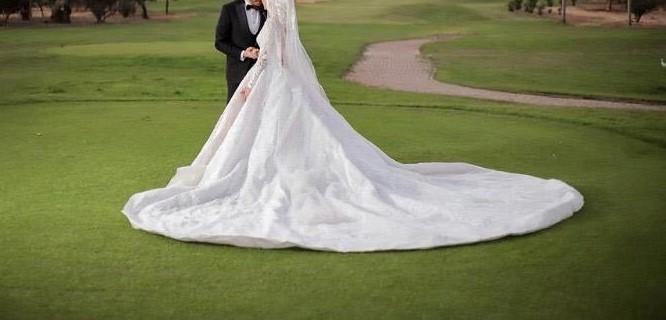 عروس مع زوجها