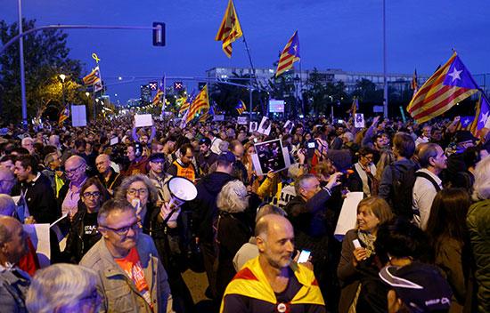 احتجاجات الانفصاليون الكتالانيون