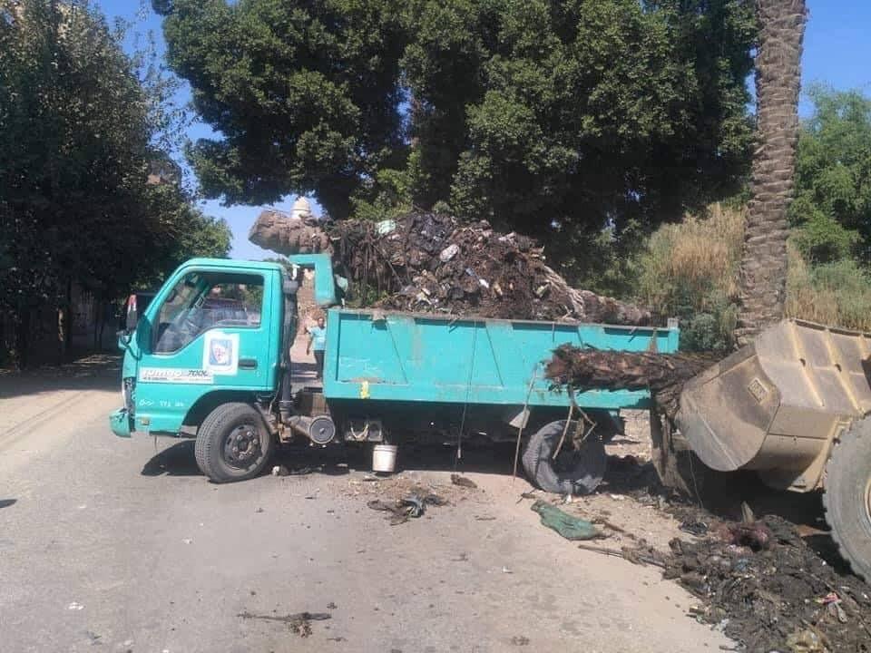 رفع الاتربة والمخلفات والقمامة بمدن سوهاج (6)