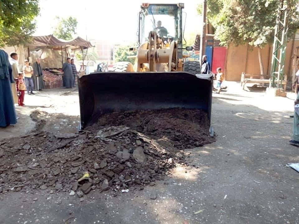 رفع الاتربة والمخلفات والقمامة بمدن سوهاج (3)